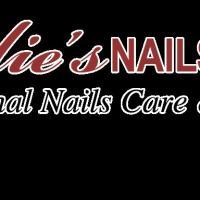 Leslie's Nails & Spa