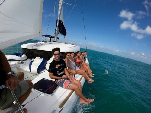 Useful Tips To Choose A Yacht Charter
