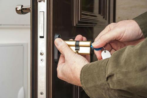 locksmith-swindon-sn1