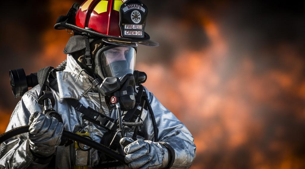 breathing-apparatus-dangerous-emergency-36031