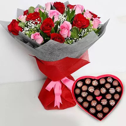 Valentine Gift 2020: Pink and Red Roses Bouquet with Heartshaped Chocolates